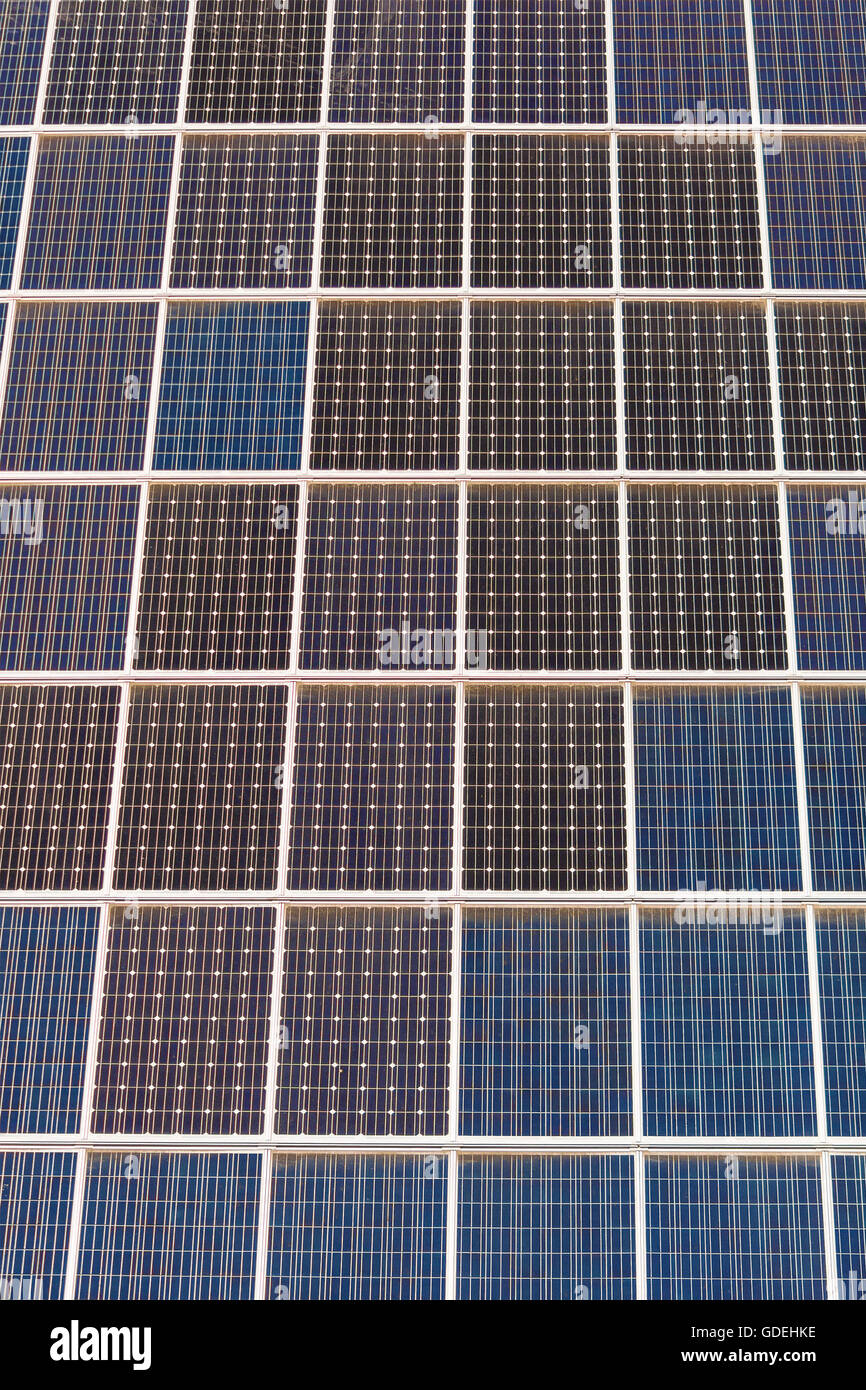 Close-up de las células solares fotovoltaicas Imagen De Stock