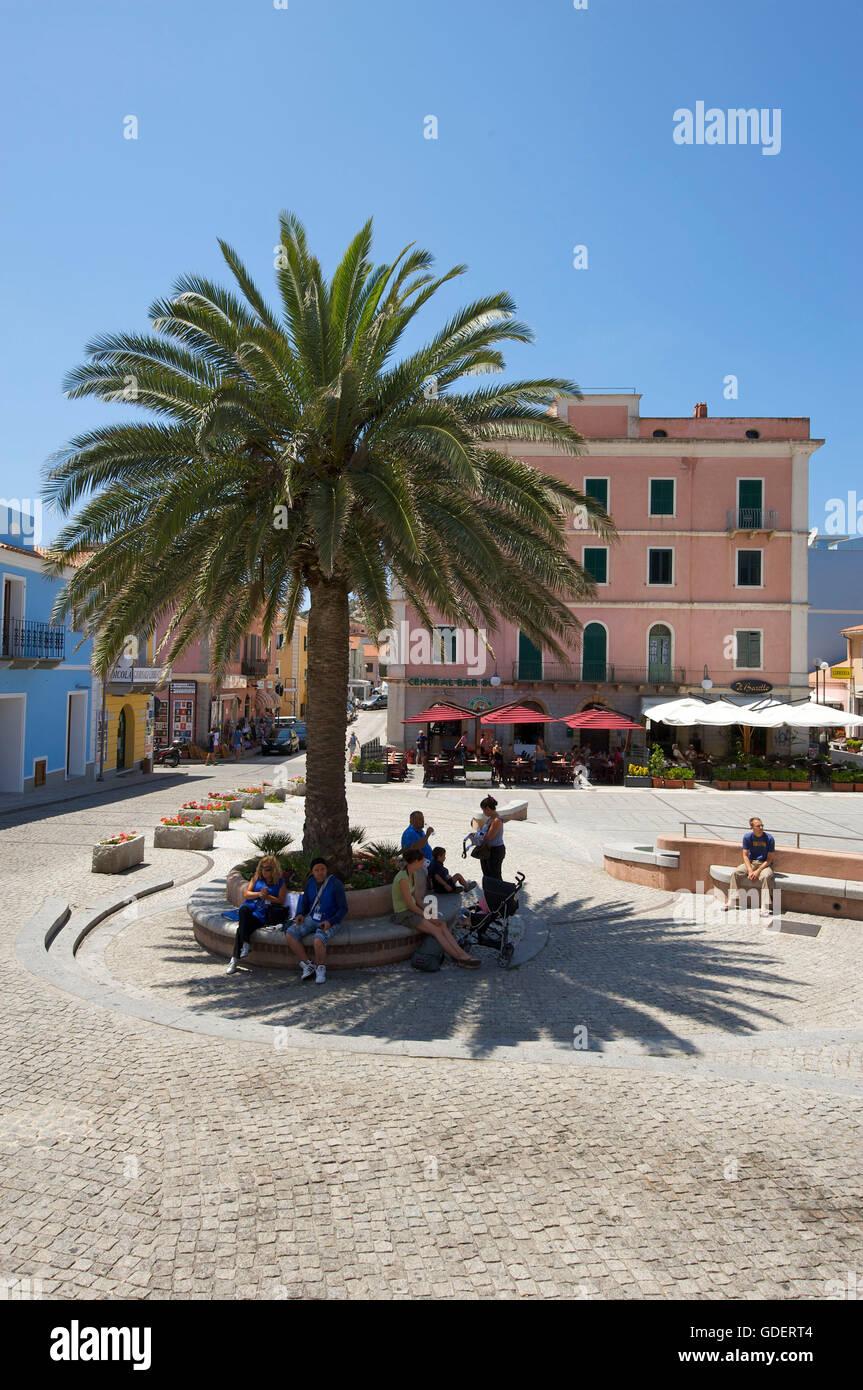 Plaza de Santa Teresa di Gallura, Sardinien, Italien Foto de stock