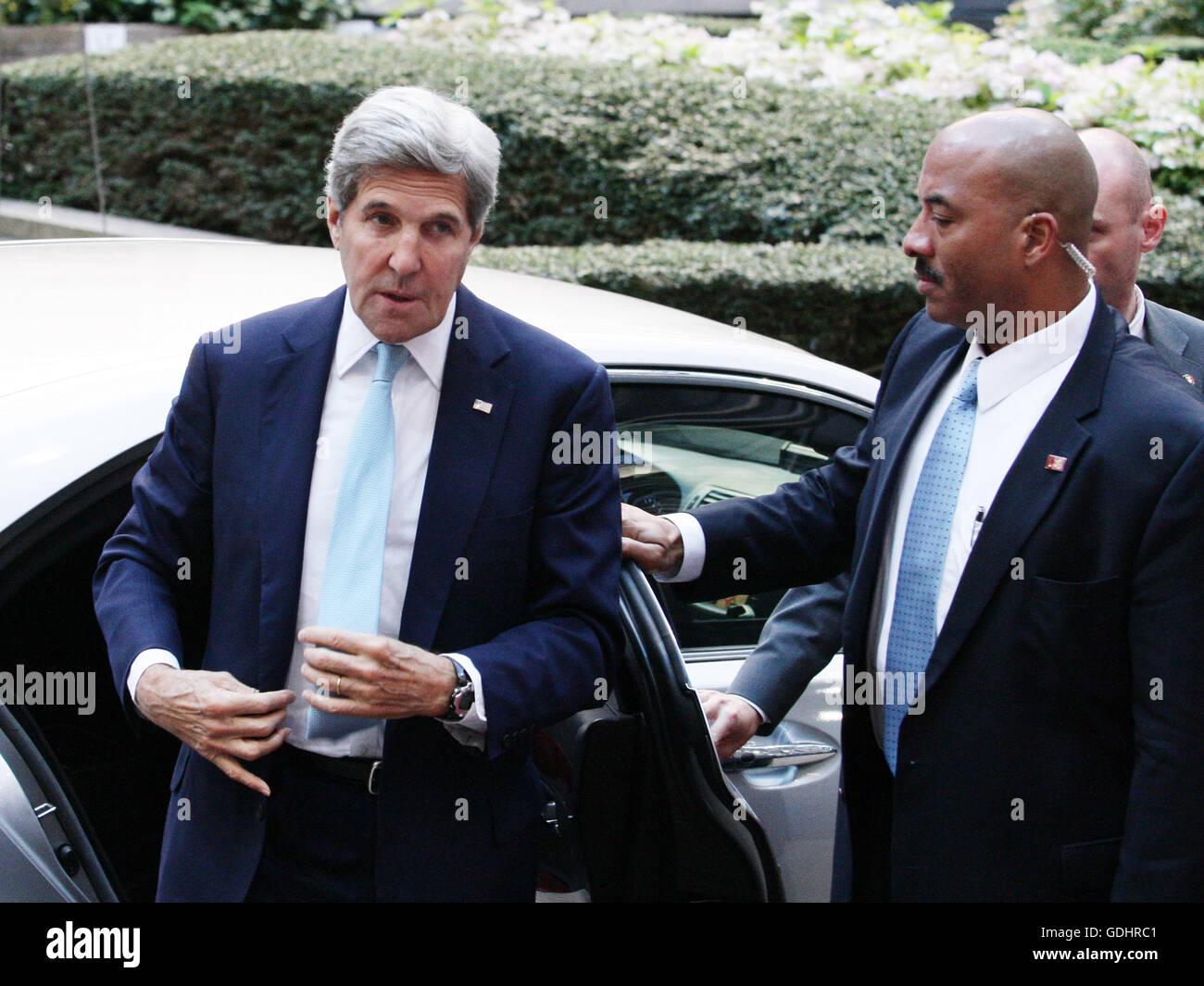 Bruselas, Bélgica. El 18 de julio, 2016. John Kerry, Secretaria de Estado de EE.UU. llega a la reunión del Consejo de Asuntos Exteriores que tiene lugar en el Consejo Europeo. Crédito: Leonardo Hugo Cavallo/Alamy Live News Foto de stock
