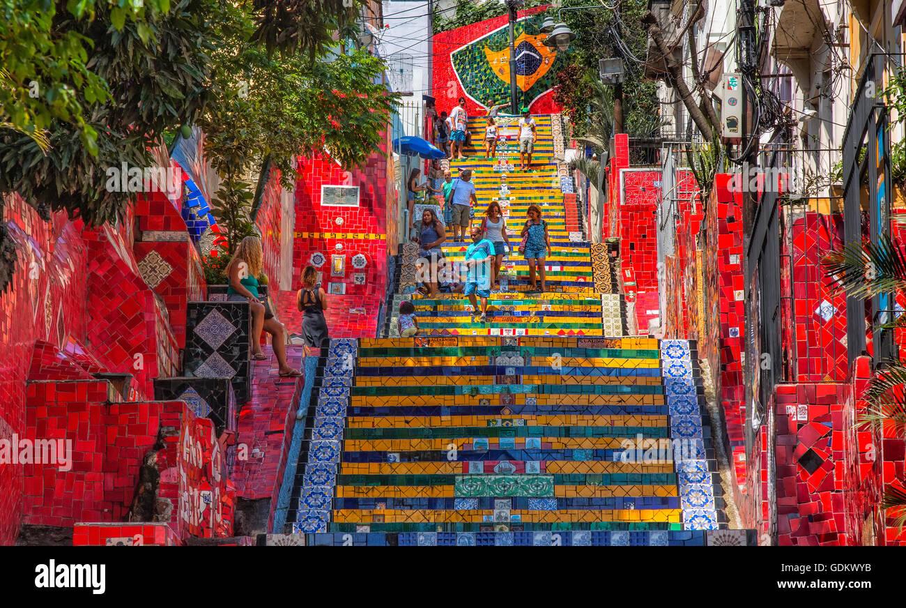 La Escadaria Selaron pasos en Rio de Janeiro. Imagen De Stock