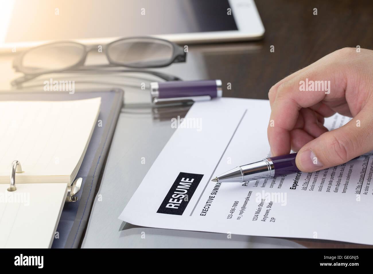 Write A Review Imágenes De Stock & Write A Review Fotos De Stock - Alamy