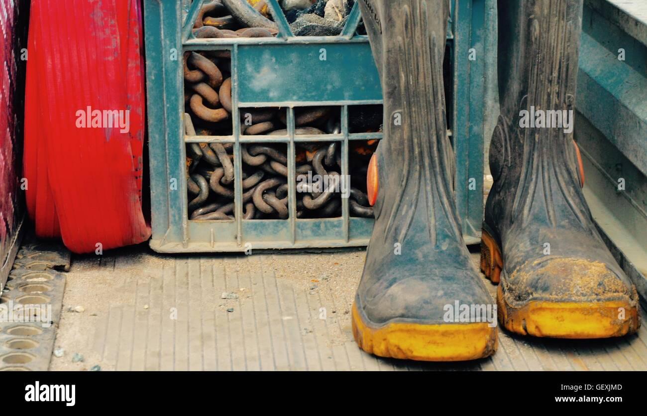 selección asombrosa mejor baratas nuevo baratas Primer plano de un trabajo del hombre camión con botas de ...
