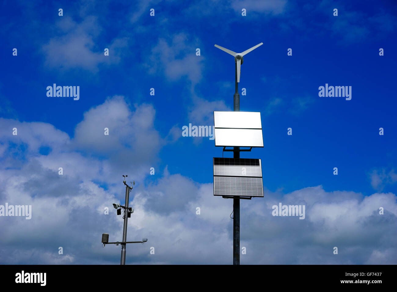Estación de Monitoreo meteorológico automático alimentado por paneles solares,Scottish Borders, Escocia, Imagen De Stock