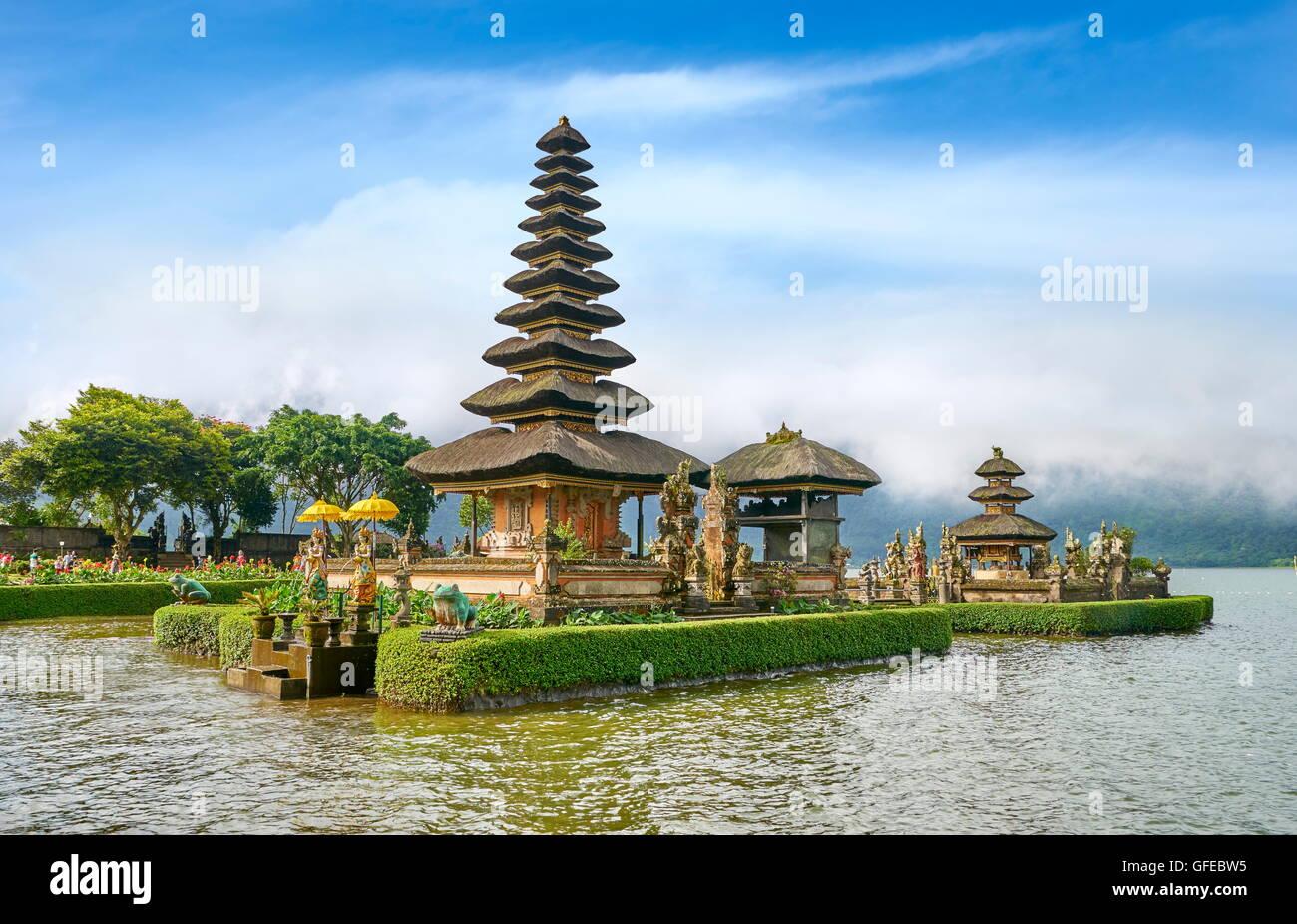 Pura Ulun Danu Bratan Templo en el lago, Bali, Indonesia Imagen De Stock