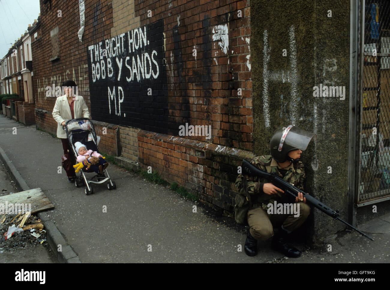 Los disturbios de Belfast Irlanda del Norte de 1980 UK 1981 Homero SYKES Imagen De Stock