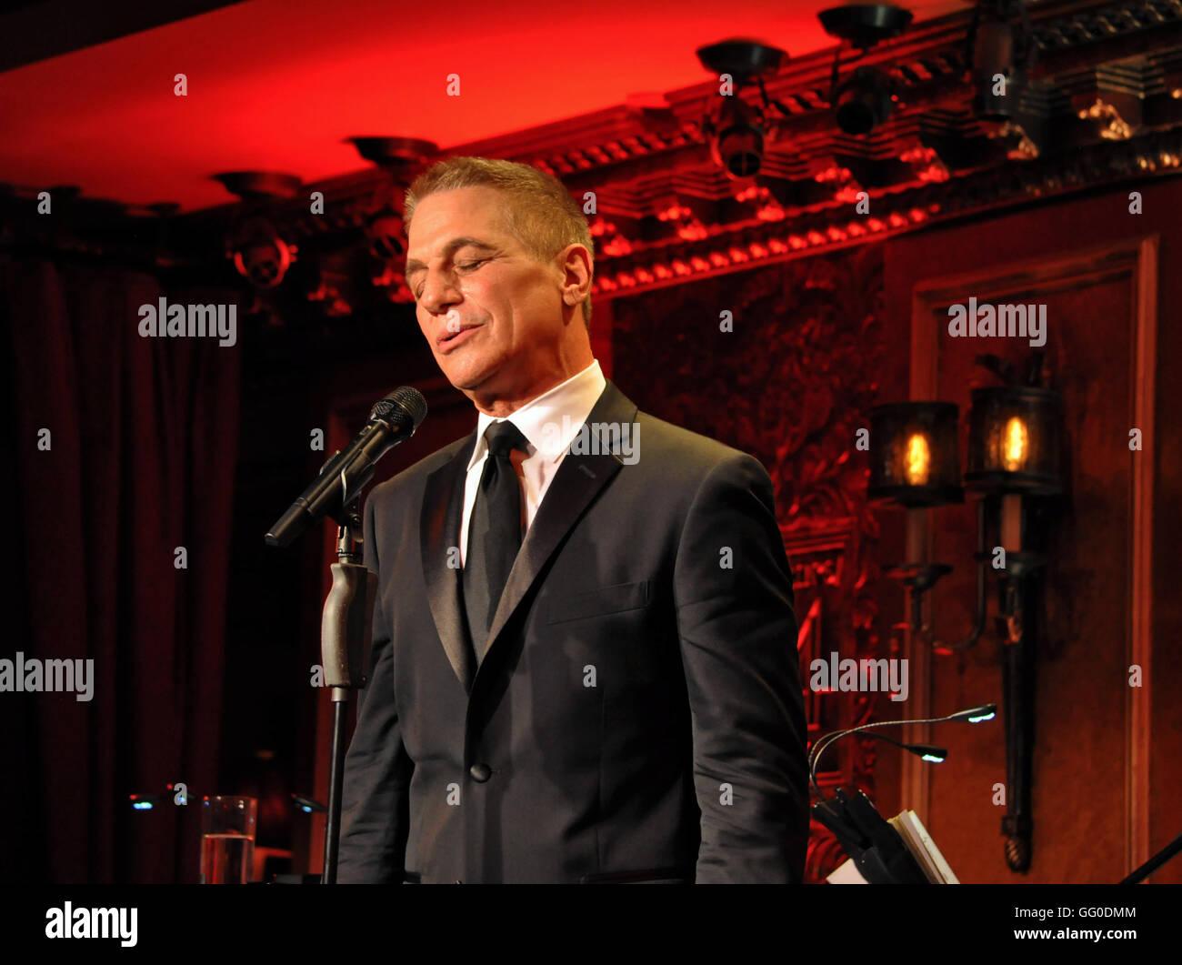 Nueva York, NY, 26 de julio de 2016. Tony Danza en estándares & historias concierto debut en feinstein's/54 Imagen De Stock
