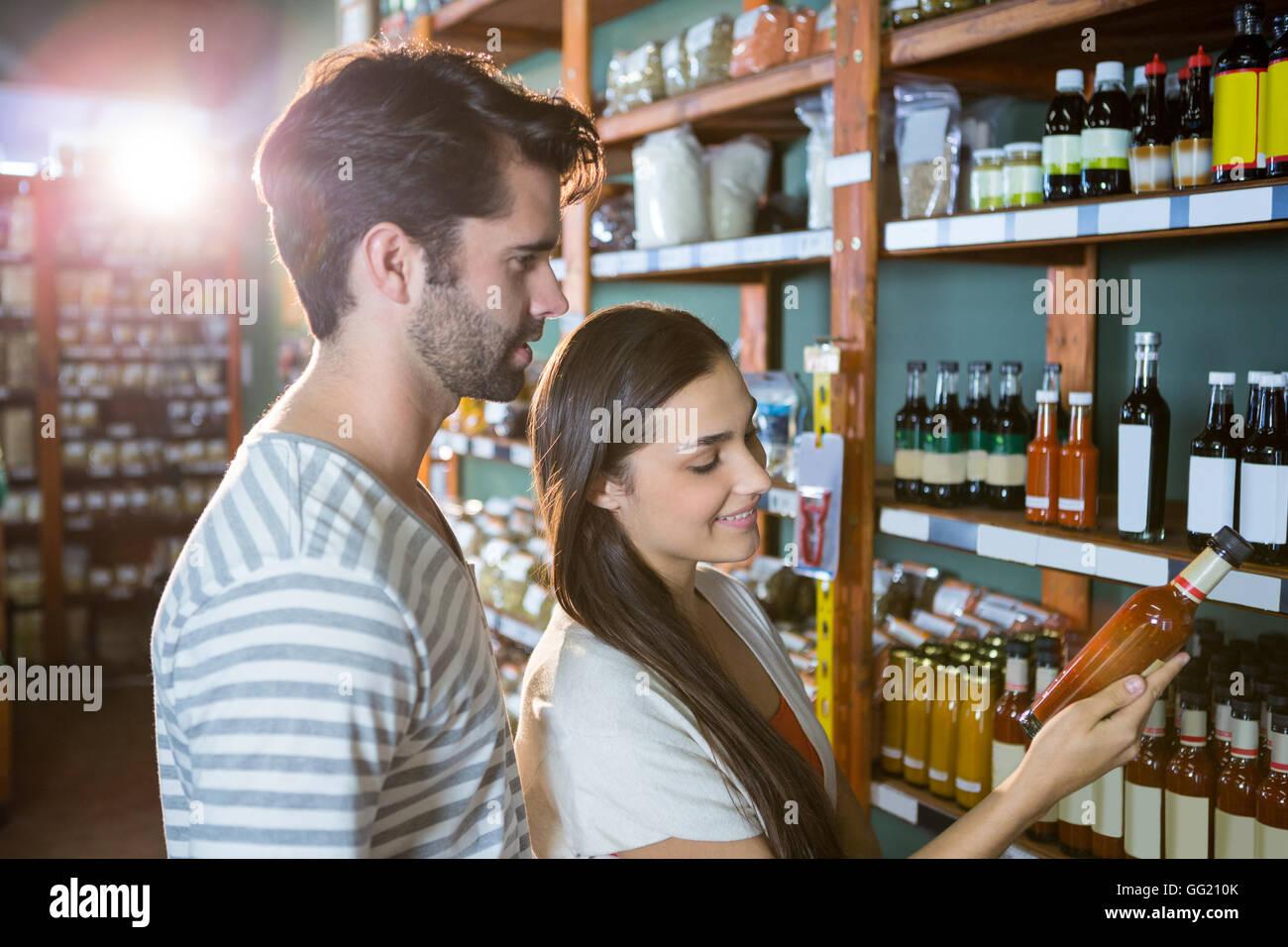 Par para compras de comestibles Foto de stock
