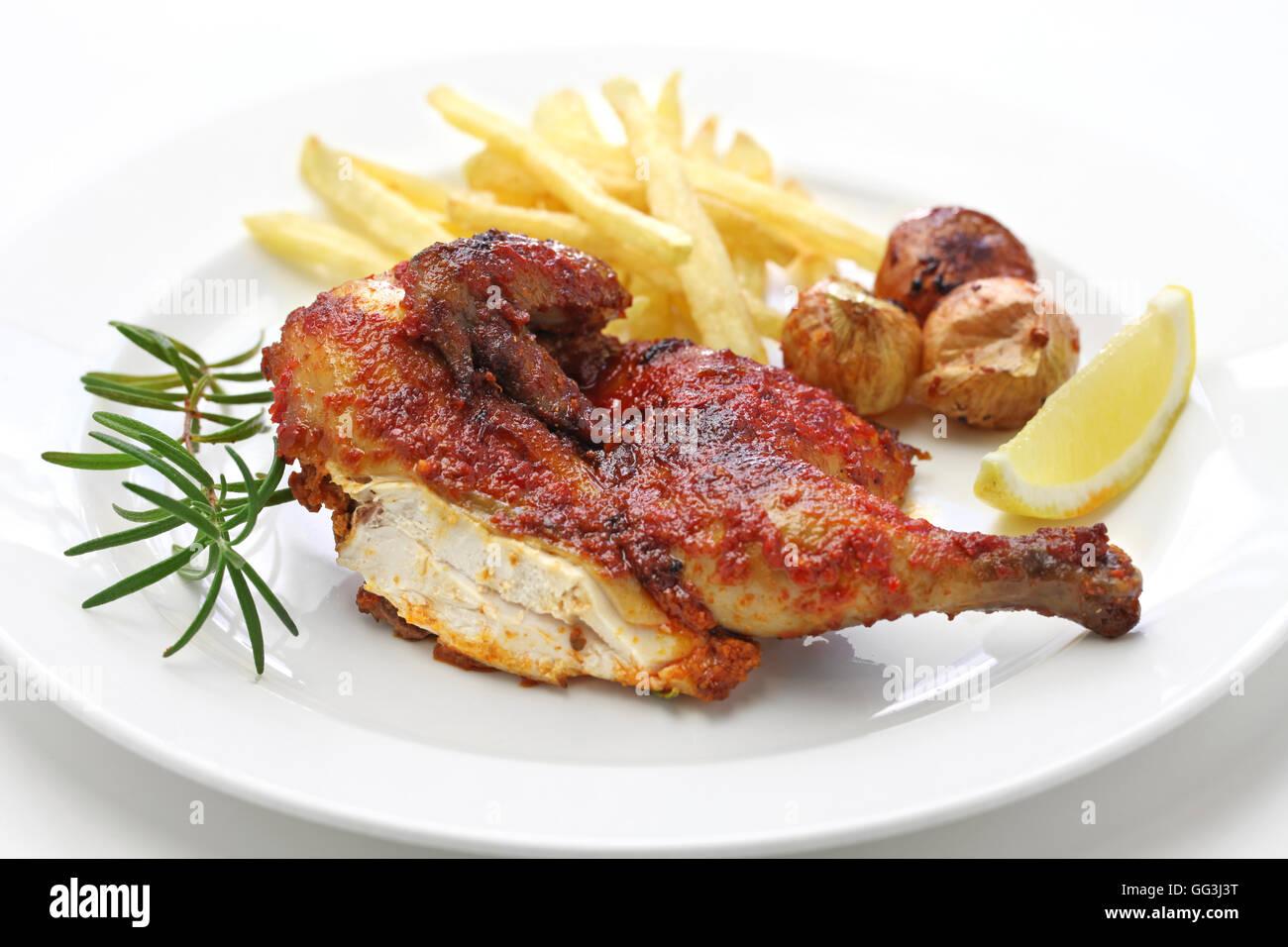 Picante de pollo piri piri, la gastronomía portuguesa. Foto de stock
