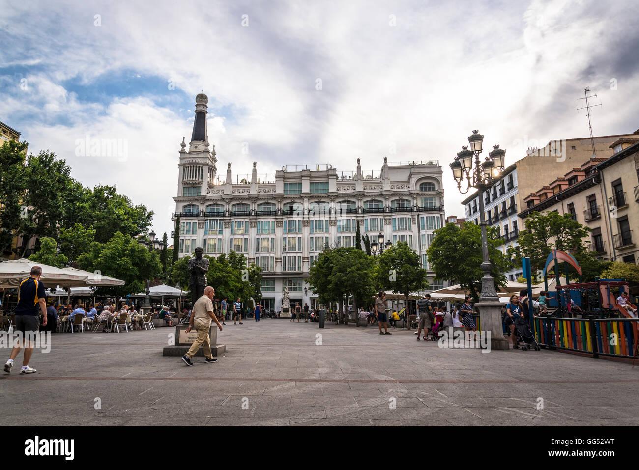 La Plaza De Santa Ana Una Gran Plaza Pública Revestidos Con