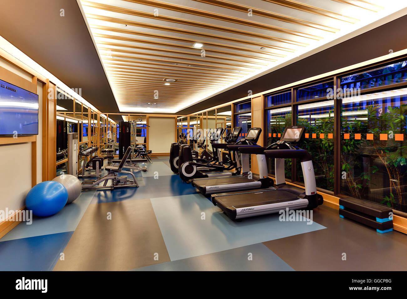 Health Club fitness center situado en el Amari Phuket en Patong Beach, Phuket, Tailandia. Imagen De Stock