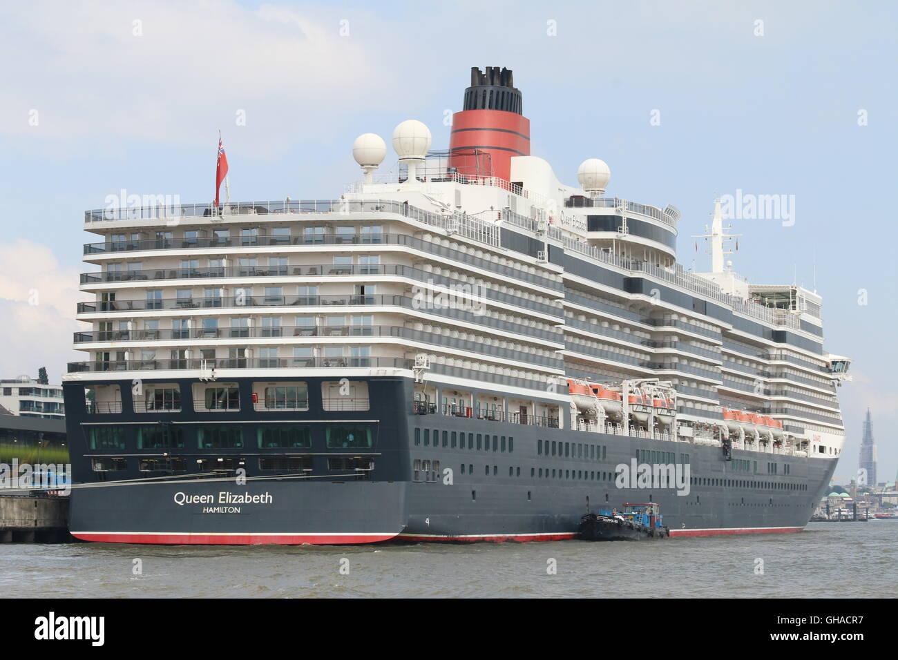 Cunard Cruise Ship Queen Elizabeth junto en Hamburgo, Alemania. Foto de stock