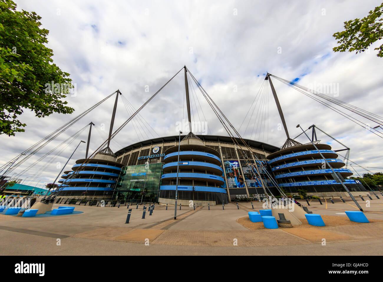 El estadio Etihad Stadium es el hogar de Manchester City Football Club de la Liga Premier Inglesa, uno de los más exitosos clubes en Inglaterra. Foto de stock