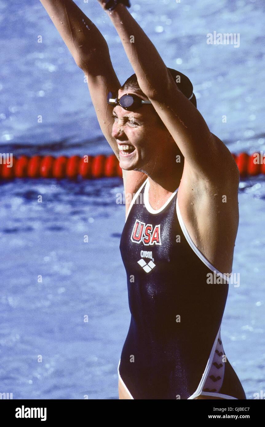 California - Los Angeles - Juegos Olímpicos de Verano de 1984. Natación femeninas. Mary Wayte, 200m freestyle Foto de stock