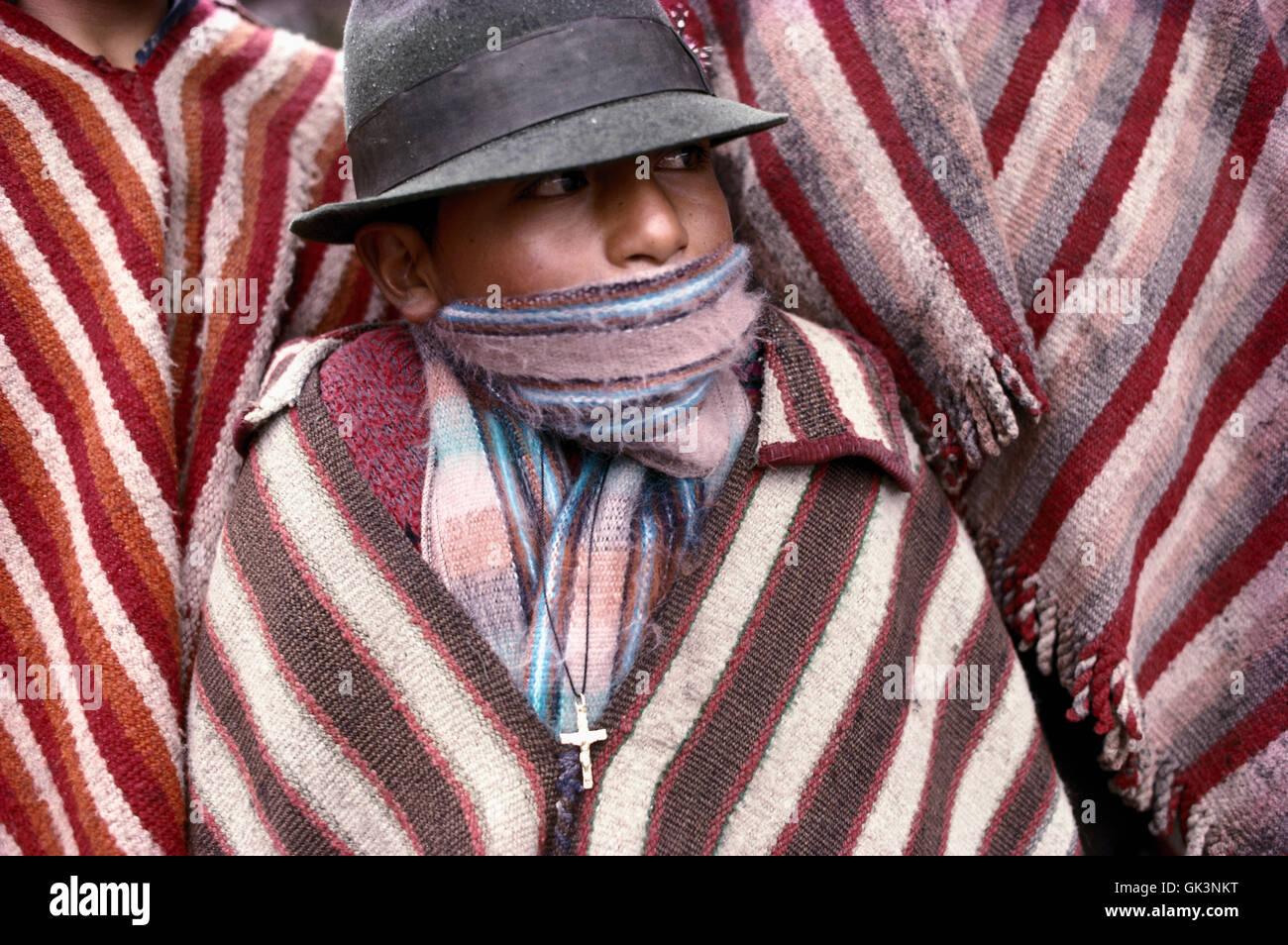 Quechua Boy Imágenes De Stock   Quechua Boy Fotos De Stock - Alamy beb2ea9bee2