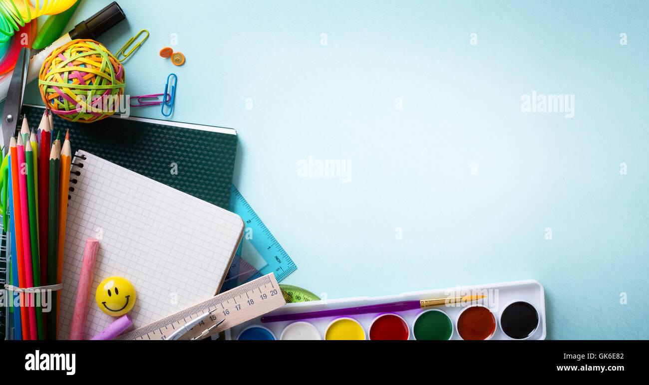 Bienvenido de vuelta a la escuela de arte pancarta, suministros escolares Tumblr Imagen De Stock