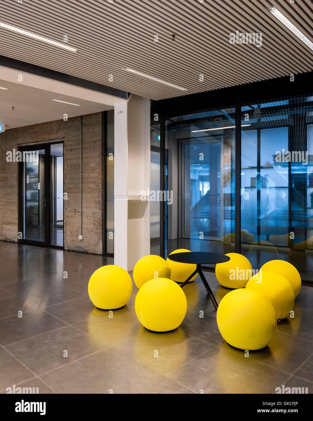 Vista Interior De Los Dise Adores De Muebles Timmerhuis  # Muebles Rotterdam
