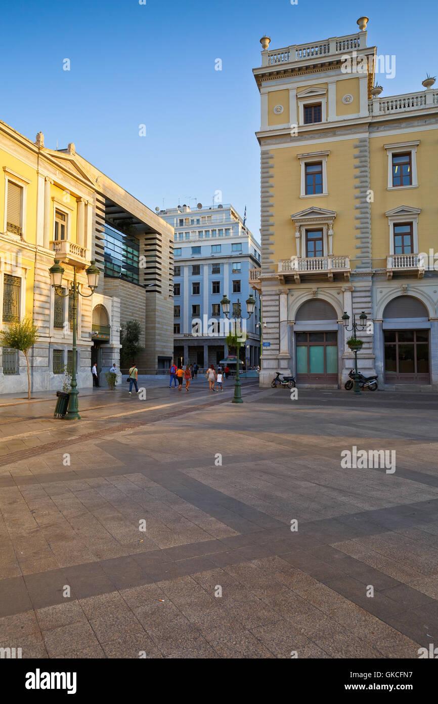 Los edificios del Banco Nacional de Grecia en la Plaza Kotzia, Atenas. Imagen De Stock