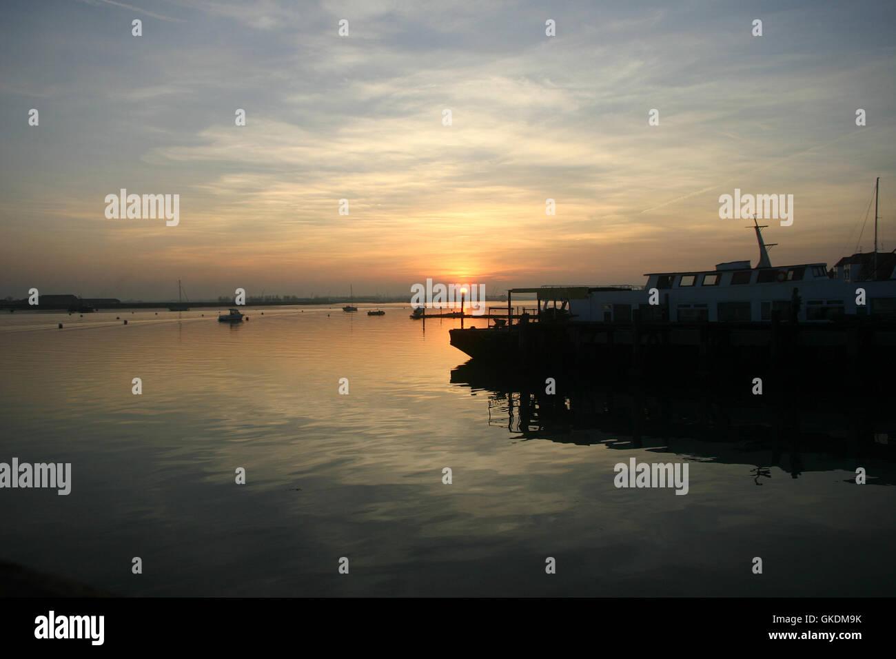 Puesta de sol sobre el río Crouch Imagen De Stock