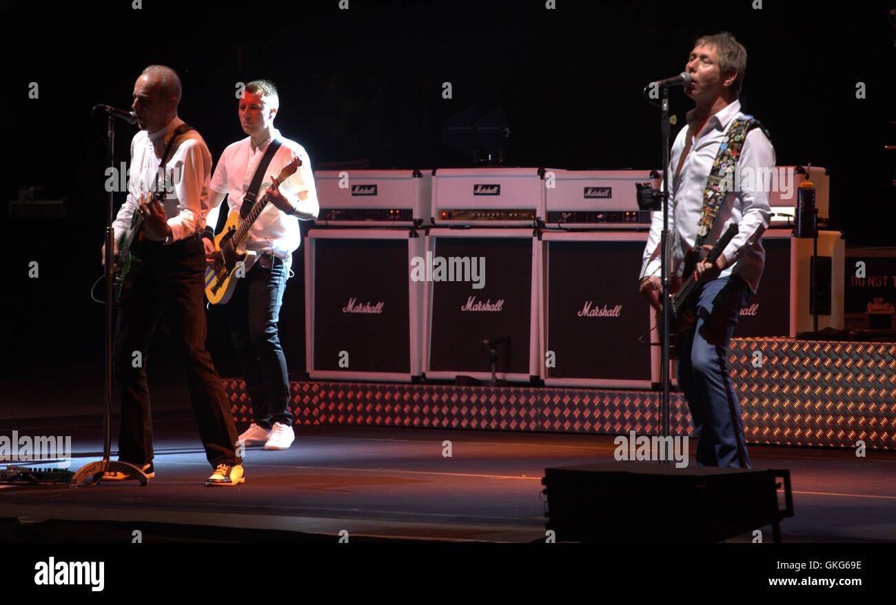 Agosto 19, 2016 - El grupo británico Status Quo durante el concierto que han ofrecido en el Starlite Festival que Foto de stock