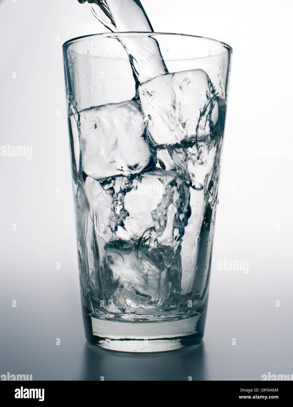agua y hielo Imagen De Stock