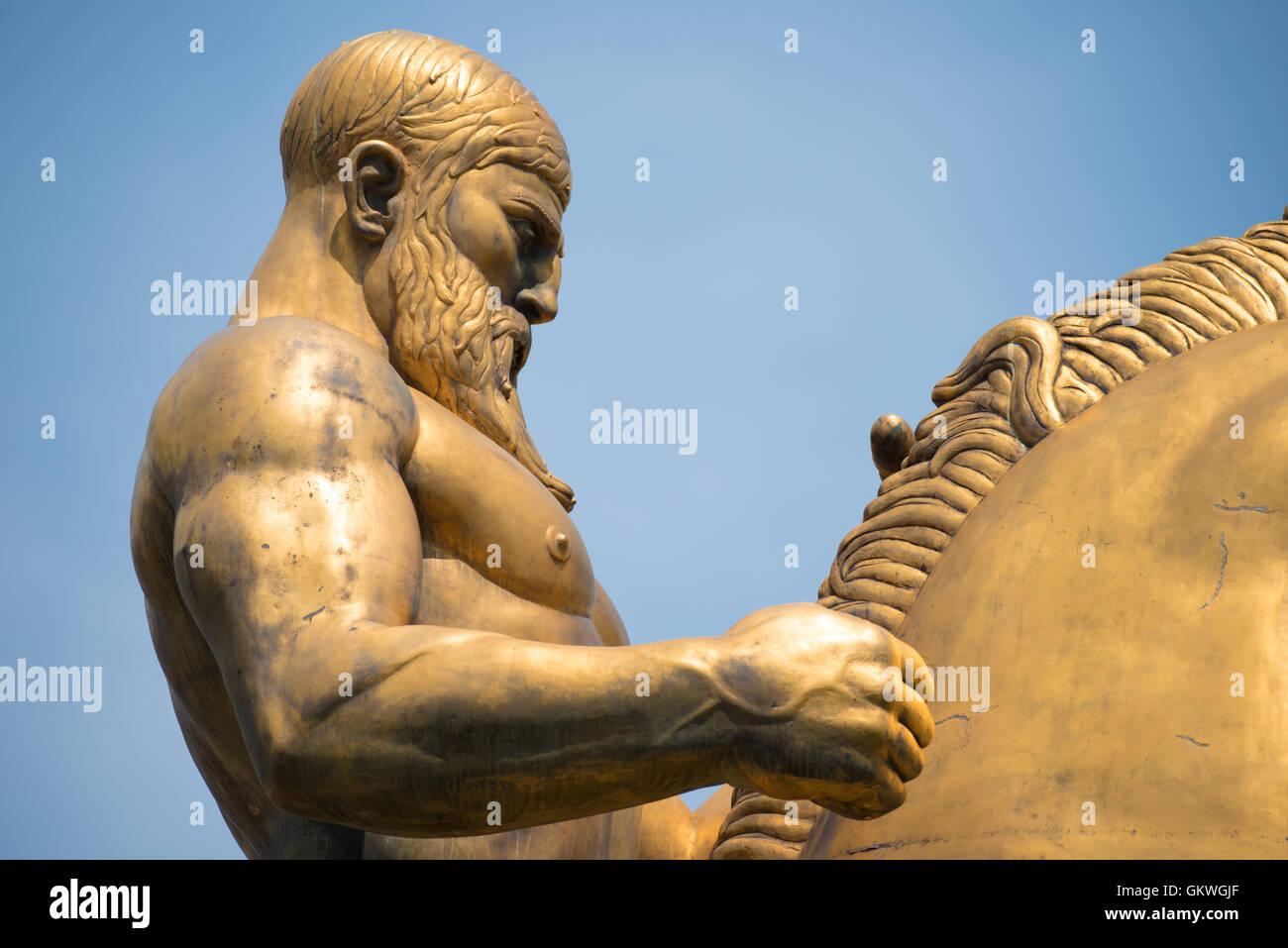 WASHINGTON, DC - La estatua que representa el valor que es parte de las Artes de la guerra y la paz, una colección Foto de stock