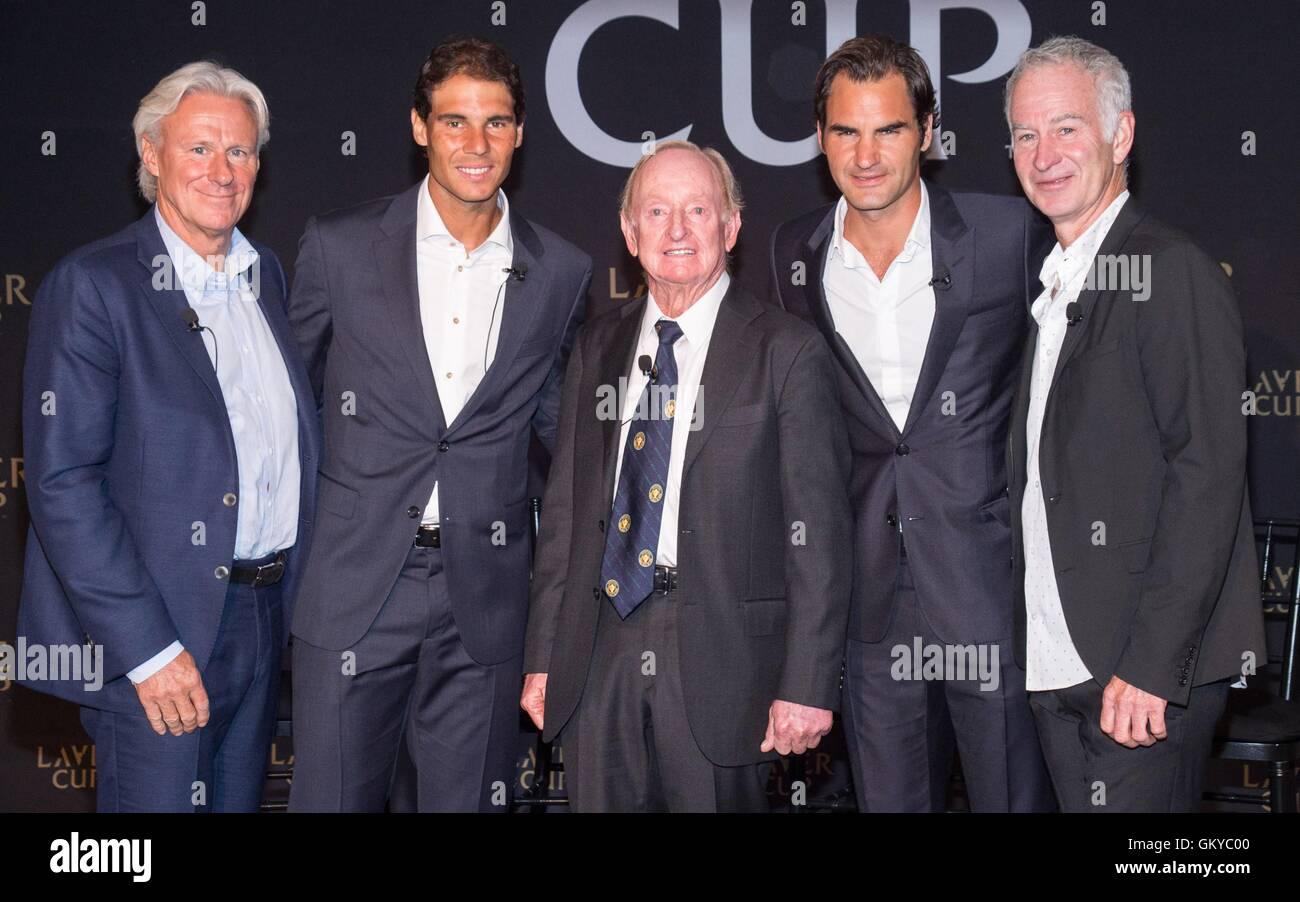 Nueva York, NY, EUA. 24 Aug, 2016. Bjorn Borg, Rafael Nadal, varilla de lavar, Roger Federer, John McEnroe en la Imagen De Stock