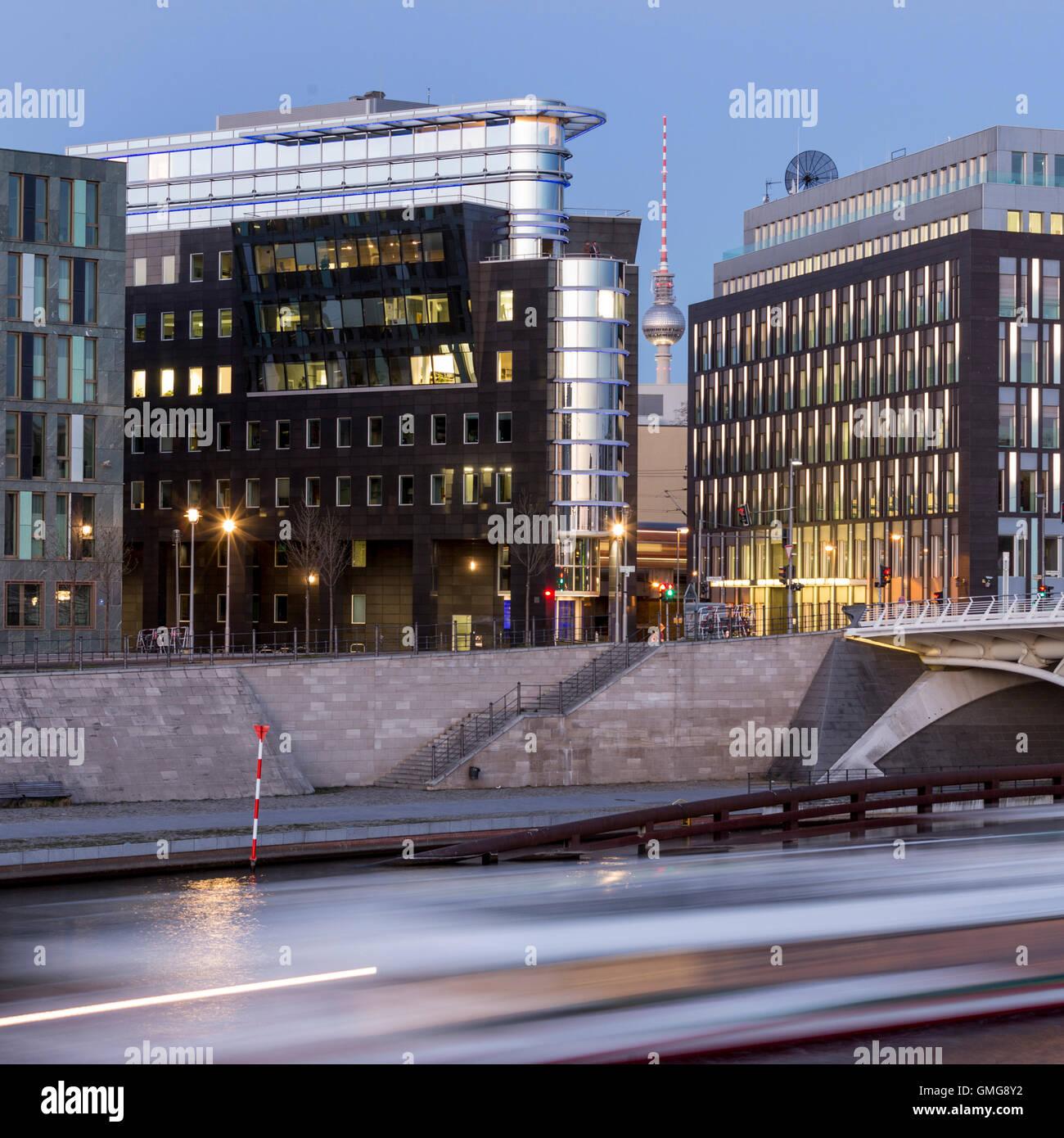 Puente Kronprinzen, arquitectura moderna, el puente de Calatrava, Berlín , Alemania Imagen De Stock