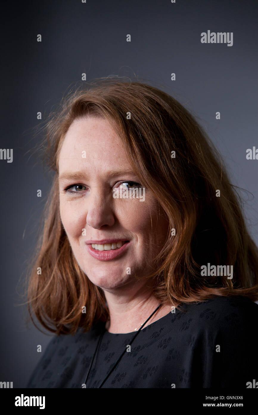 Paula Hawkins, el thriller británico escritor, en el Edinburgh International Book Festival. Edimburgo, Escocia. Imagen De Stock
