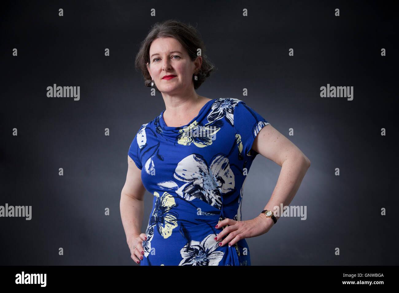 Victoria Hendry, autor escocés de ficción histórica, en el Edinburgh International Book Festival. Edimburgo, Escocia. Foto de stock