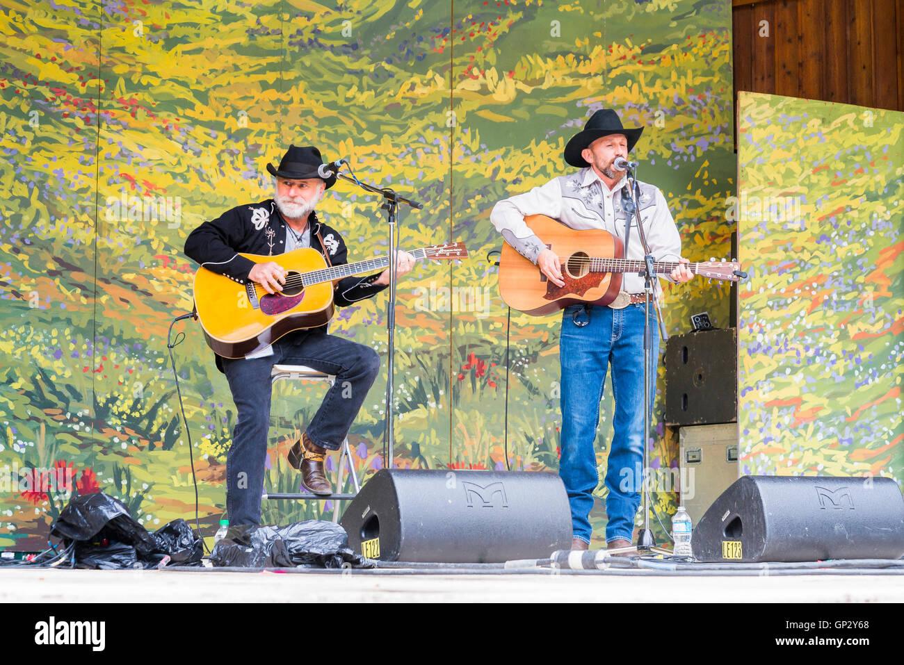 Ridley doblados realizando en Canmore Festival de Música Folk, Canmore, Alberta, Canadá Imagen De Stock