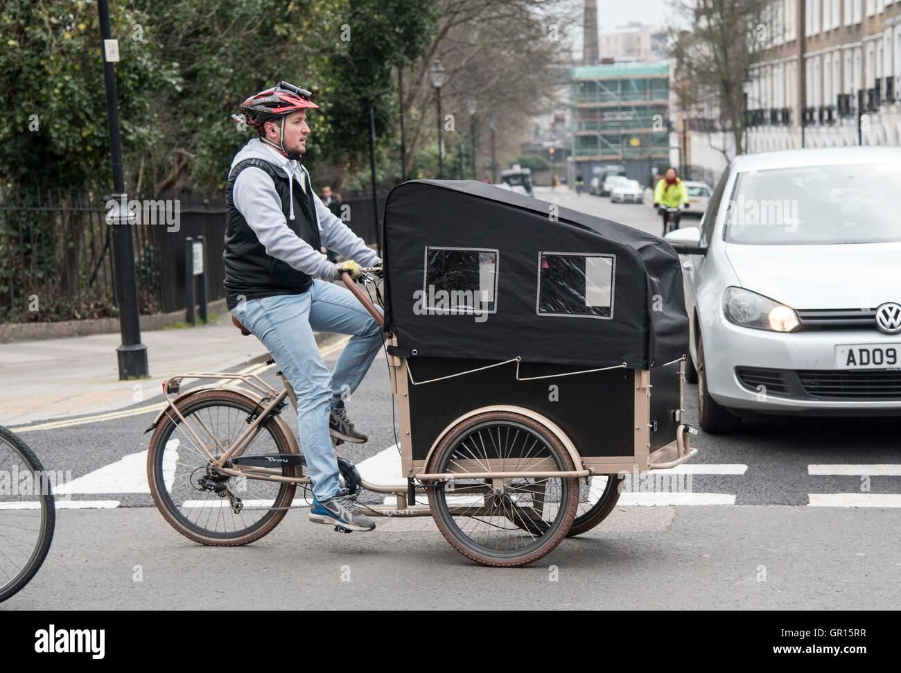 Ciclo ciclista escuela asiento infantil de seguridad en bicicleta Imagen De Stock