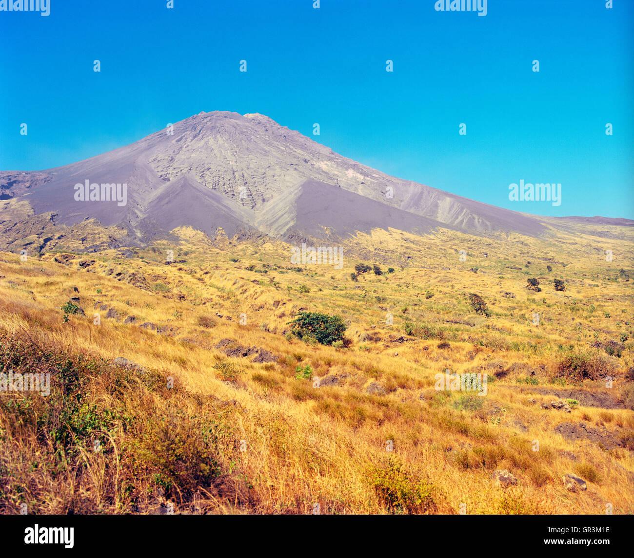 Pico de Fogo. Fogo, Islas de Cabo Verde, África. Imagen De Stock