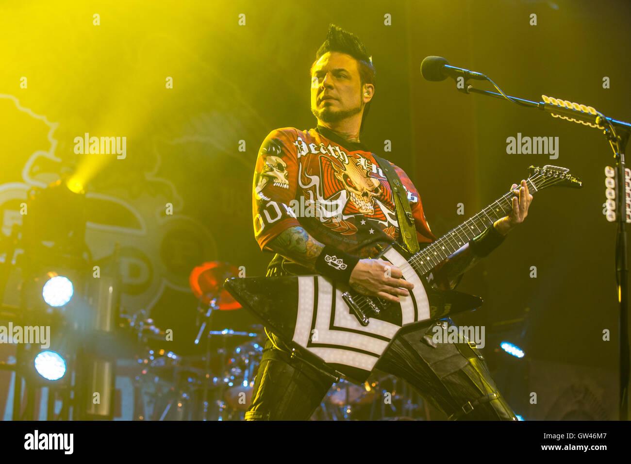 Jason Hook, guitarrista de muerte de cinco dedos punzón en Abbotsford Centro en Abbotsford, Canadá el 9 de septiembre Foto de stock