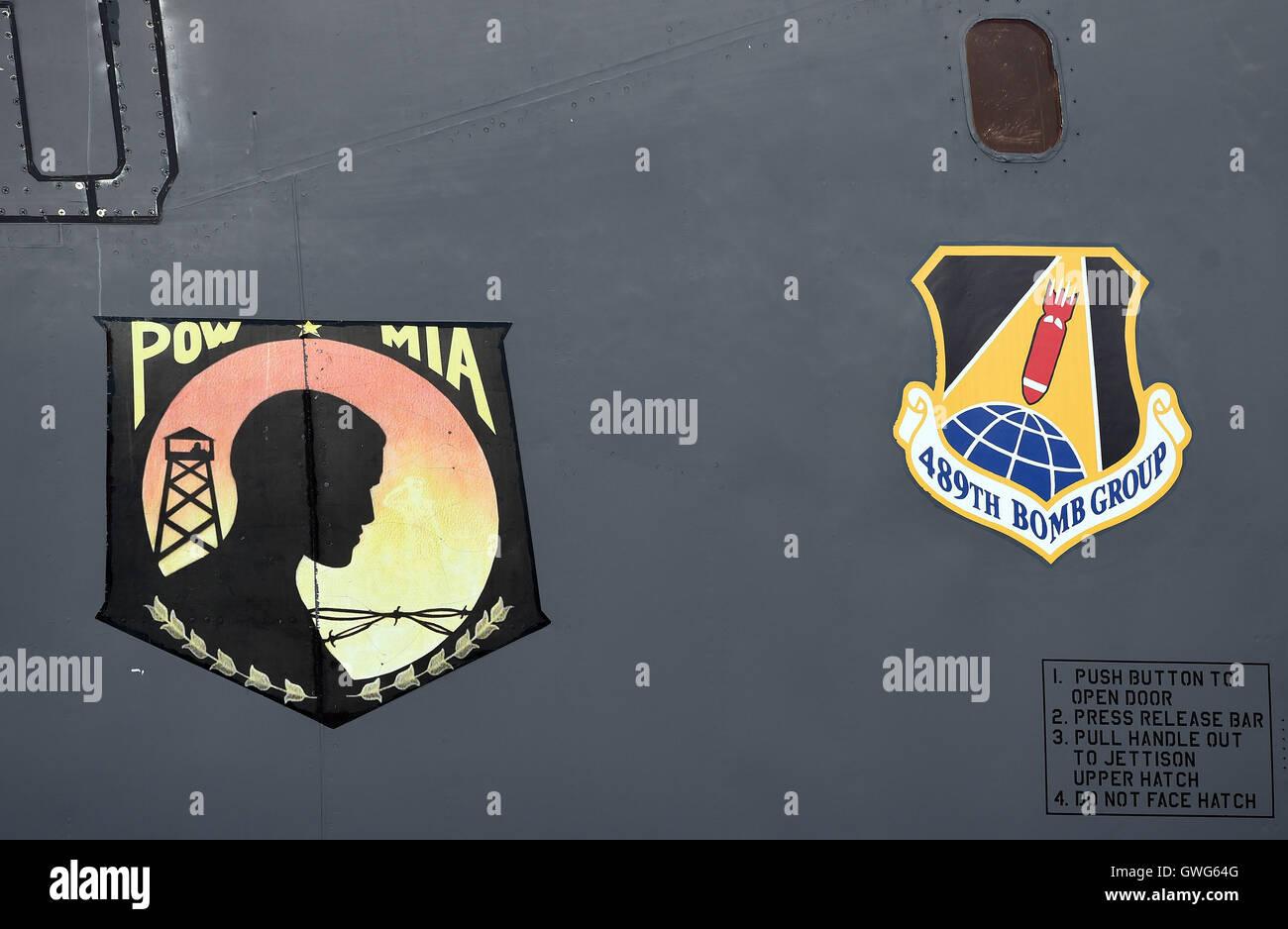Mosnov, República Checa. 13 Sep, 2016. Estados Unidos bombarderos estratégicos B-52 Stratofortress y el B-1B Lancer (foto pegatinas en el avión) tierra en aeropuerto Mosnov, República Checa, 13 de septiembre de 2016. El bombardero B-52 tendrá sus primeros vuelos dentro del ejercicio de la OTAN el domingo durante días y días en la Fuerza Aérea Checa aeropuerto Mosnov en septiembre 17-18. Crédito: Jaroslav Ozana/CTK Foto/Alamy Live News Foto de stock