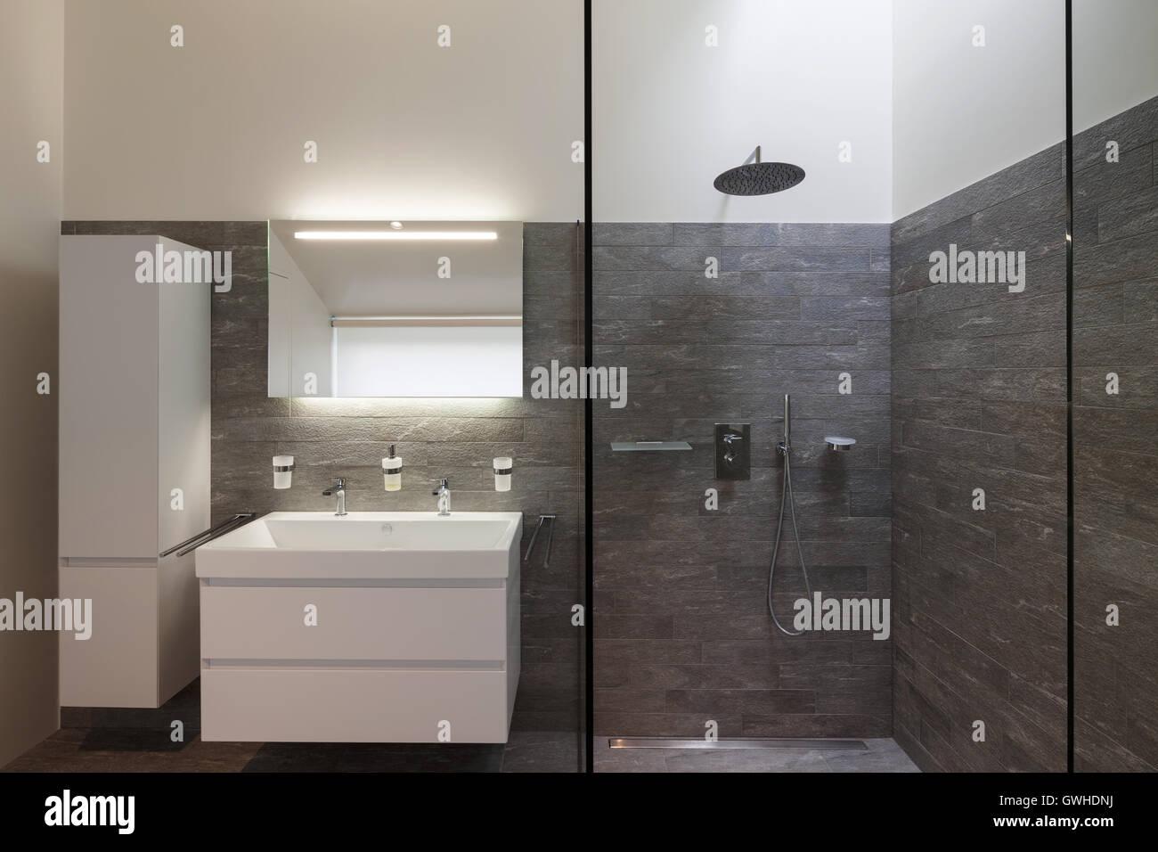 Interior de una casa, cuarto de baño moderno diseño Foto ...