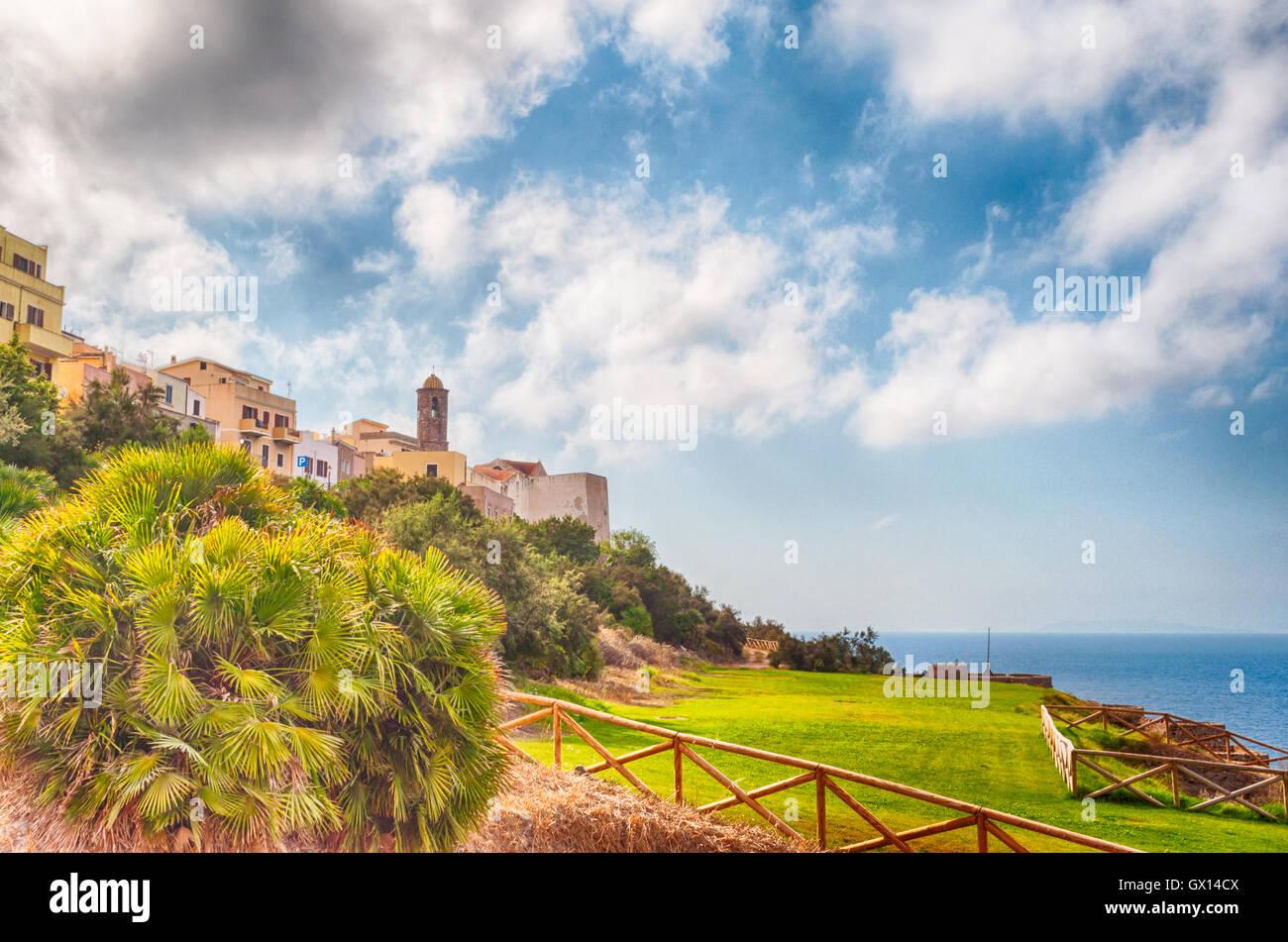 Vista desde castelsardo ciudad vieja - Cerdeña - Italia Imagen De Stock
