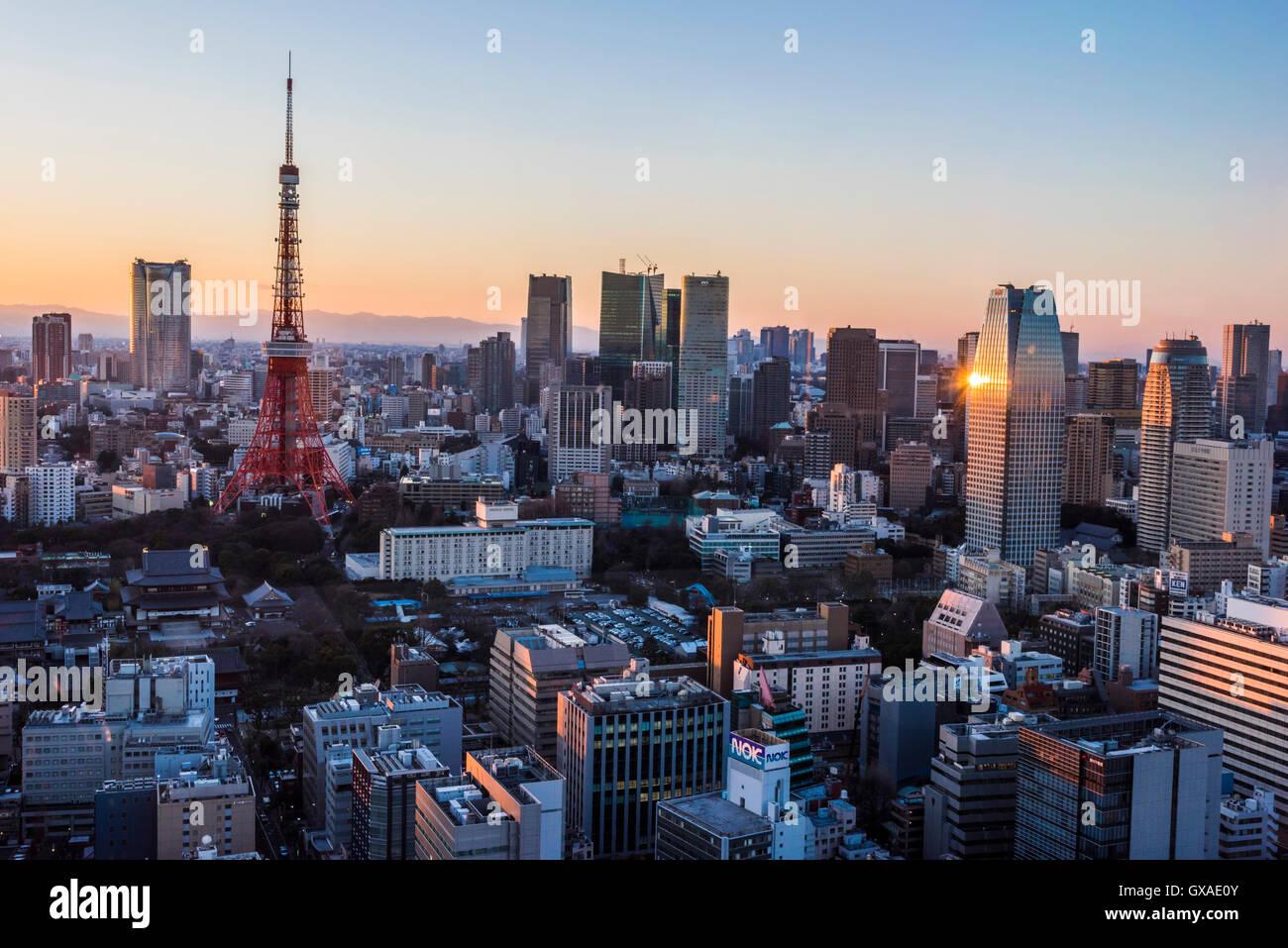 La Torre de Tokio, y Roppongi Hills, Minato-Ku, Tokio, Japón Imagen De Stock