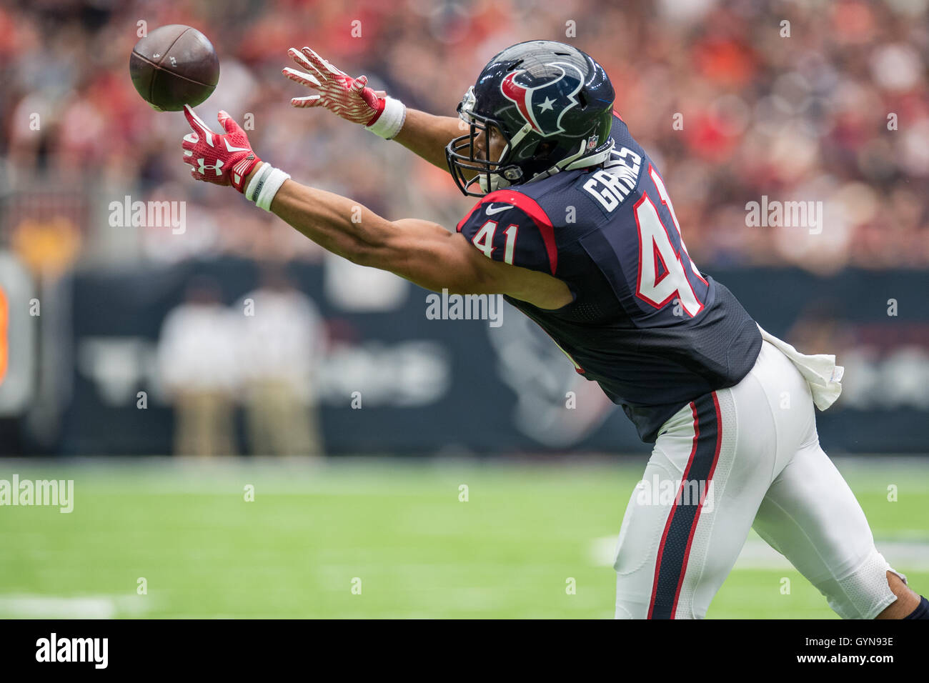 Houston, Texas, EE.UU. 18 Sep, 2016. Houston Texans volver corriendo Jonathan Grimes (41) intenta hacer una captura Imagen De Stock