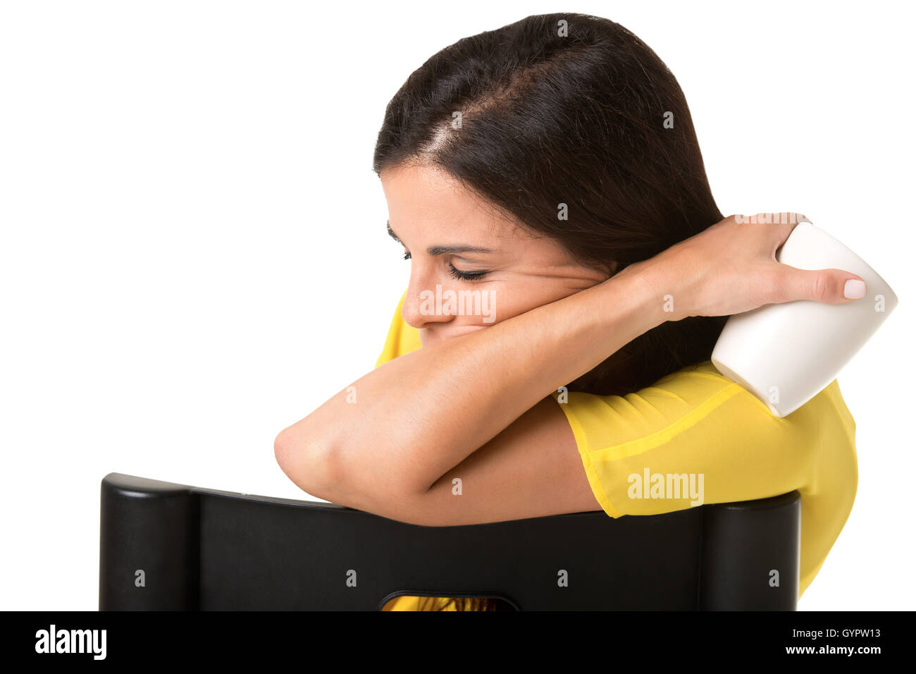 La empresaria sentado en una silla cansada y soñolienta, aislado en blanco Imagen De Stock