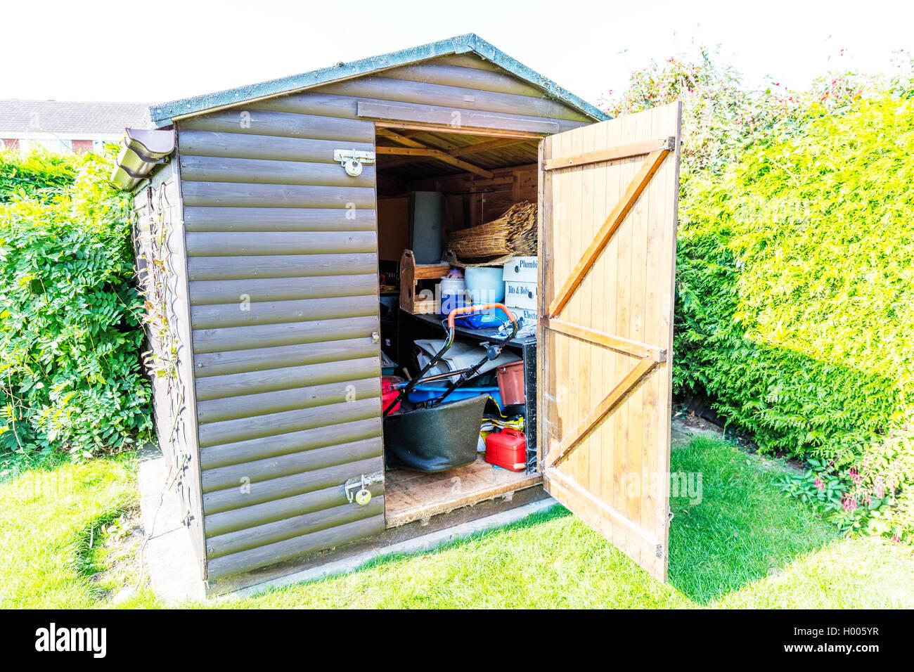 Cobertizo de jard n puertas abiertas de almacenamiento - Cobertizo de jardin ...