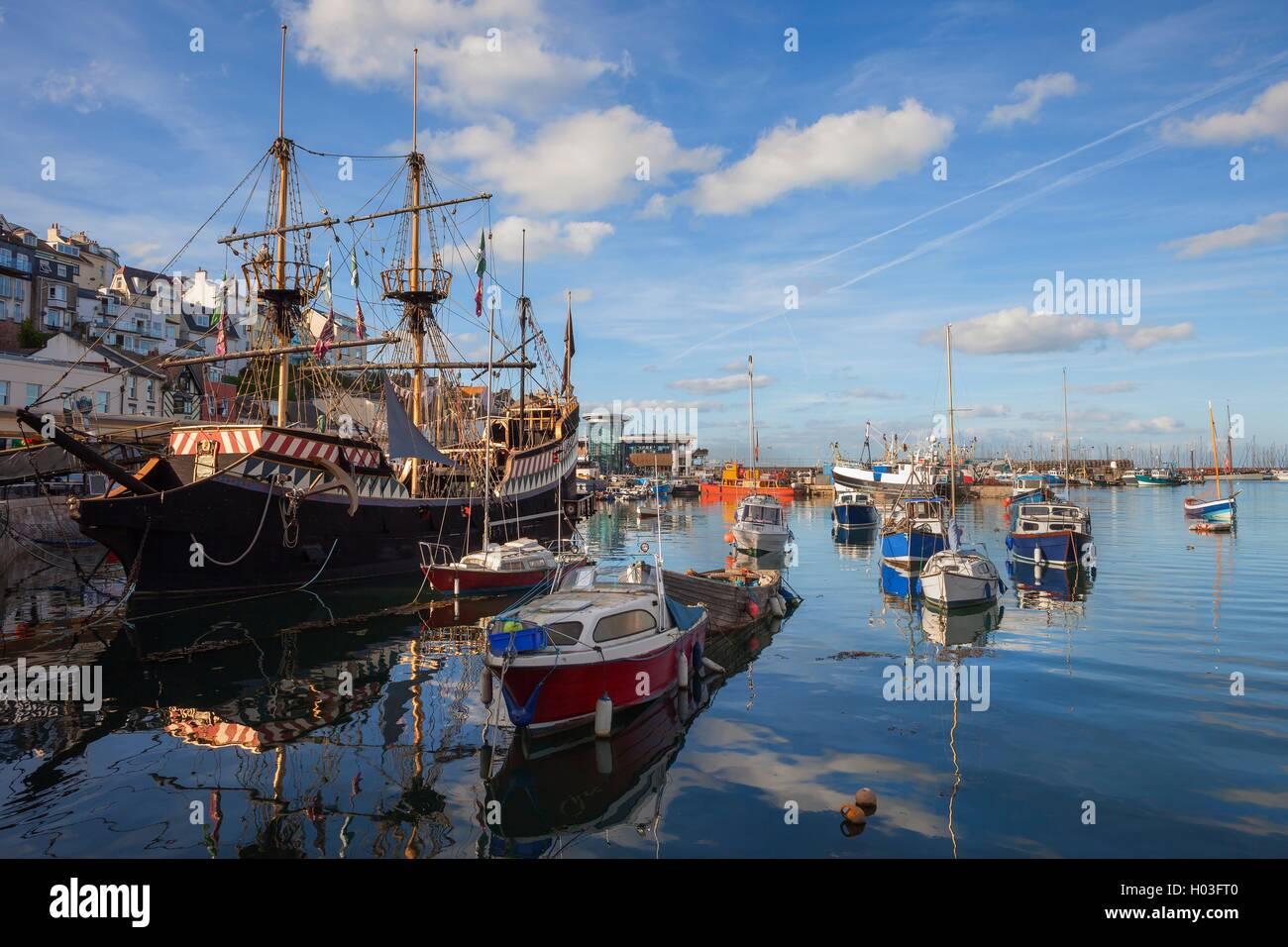 Brixham Harbor, Devon, Inglaterra Foto de stock