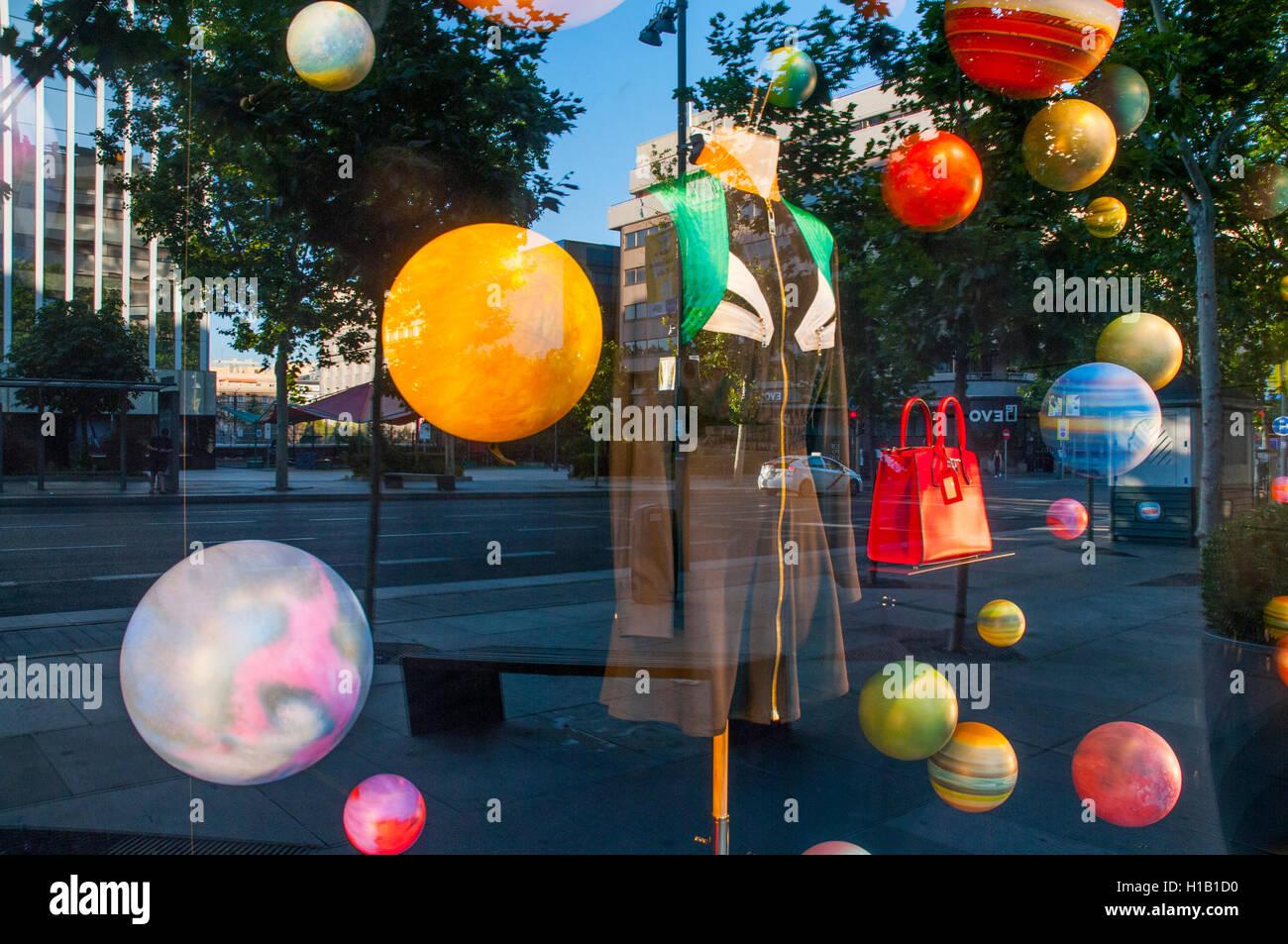Escaparate. La calle Serrano, Madrid, España. Imagen De Stock