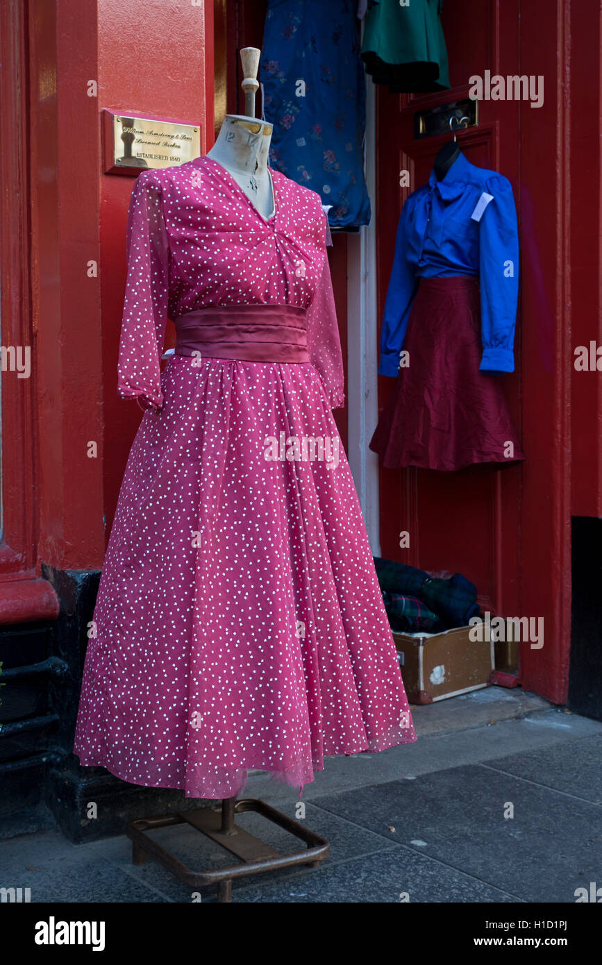 Vintage Dress Dummy Imágenes De Stock & Vintage Dress Dummy Fotos De ...