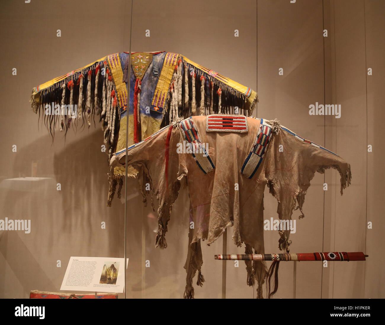 América del Norte. Los pueblos indígenas. Las llanuras. La ropa. Siglo xix. Imagen De Stock