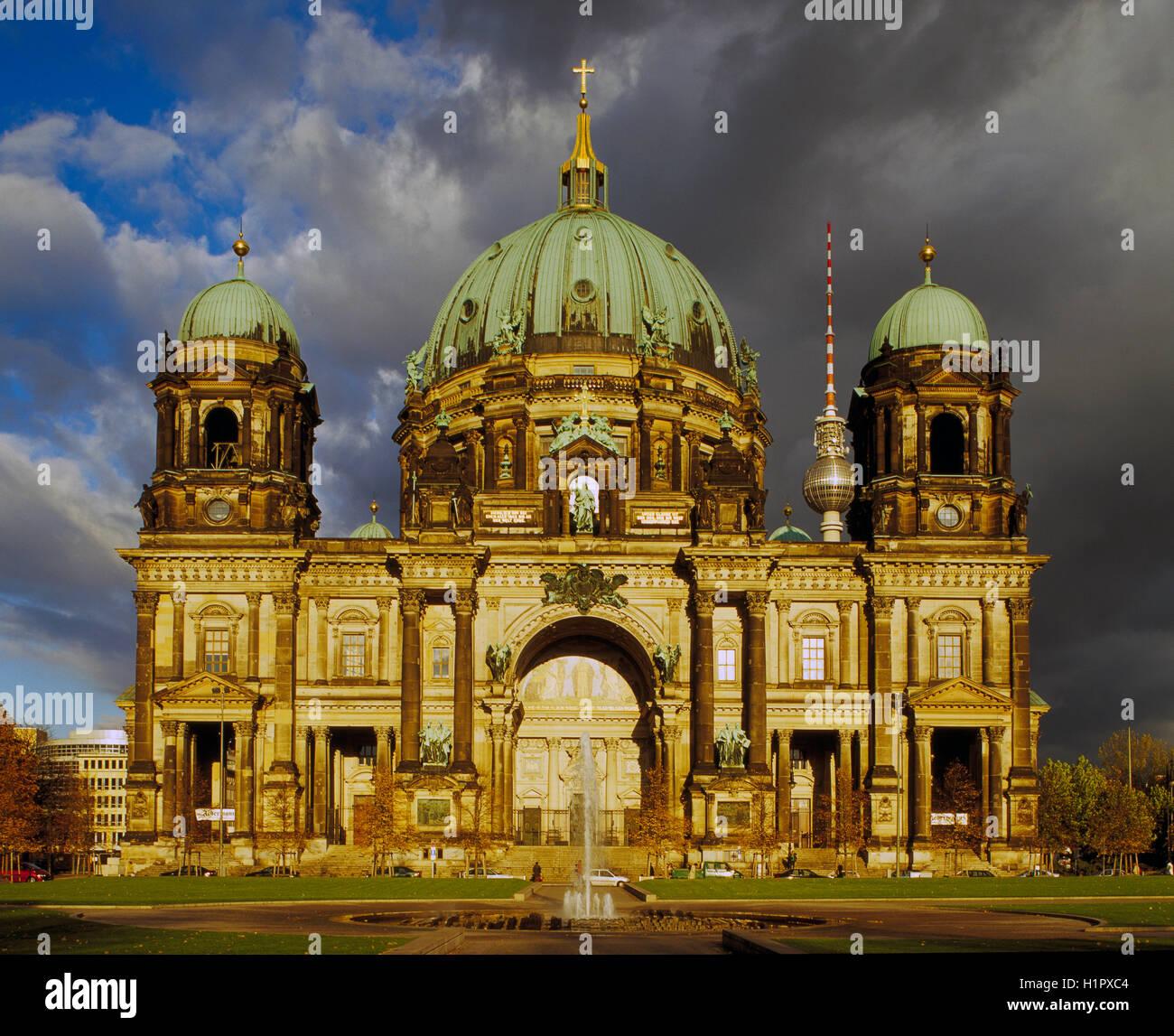 La Berliner Dom, de Berlín, Alemania Imagen De Stock
