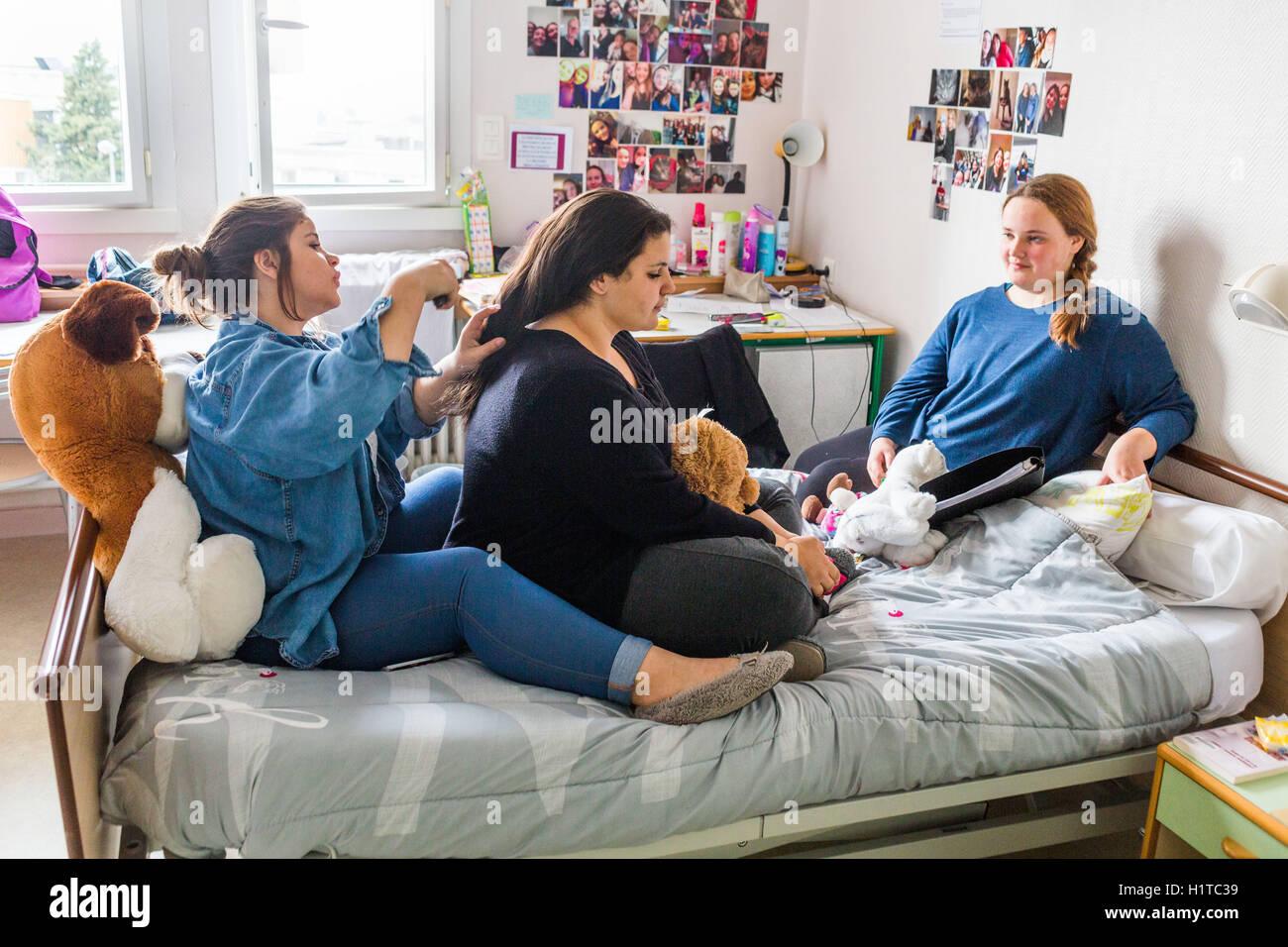 Centro de atención y tratamiento de la obesidad en niños y adolescentes , Les Terrasses, Niort, Francia. Imagen De Stock