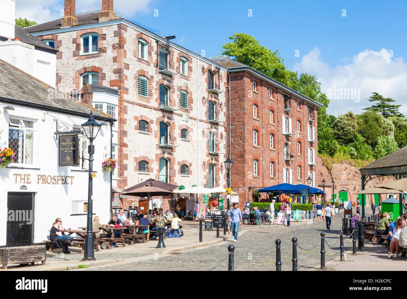 Las tiendas y restaurantes del muelle de Exeter Exeter Reino Unido GB Europa UE Imagen De Stock