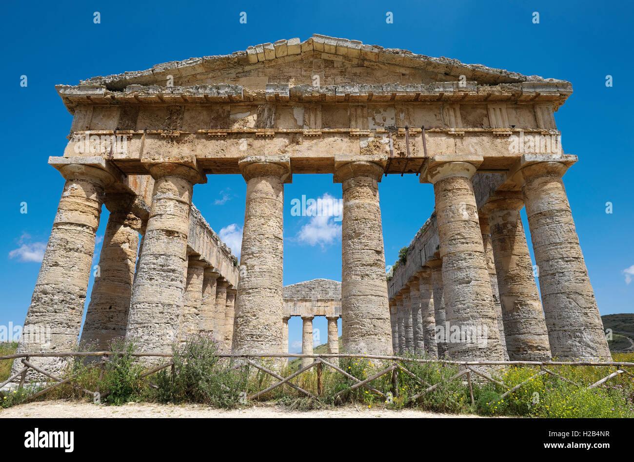 Antiguo Templo de Segesta, provincia de Trapani, Sicilia, Italia Imagen De Stock