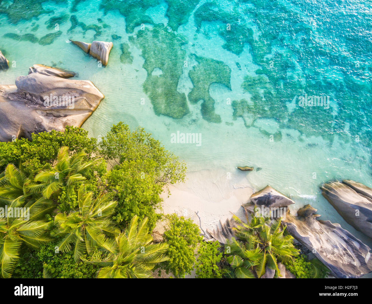 Foto aérea de Seychelles tropical playa Anse Source D Argent En La Digue island Imagen De Stock