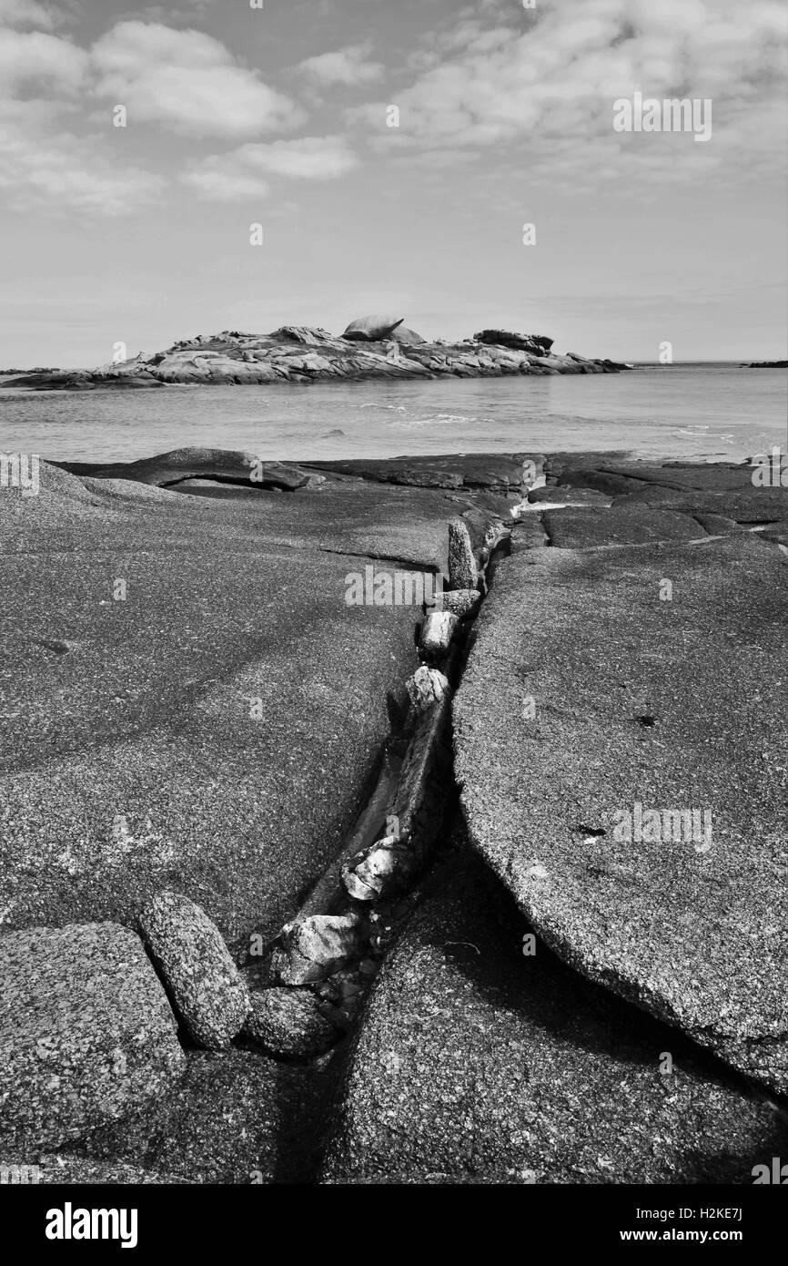 Granito de Trégastel, en Bretaña (Francia), Fotografía en blanco y negro Imagen De Stock